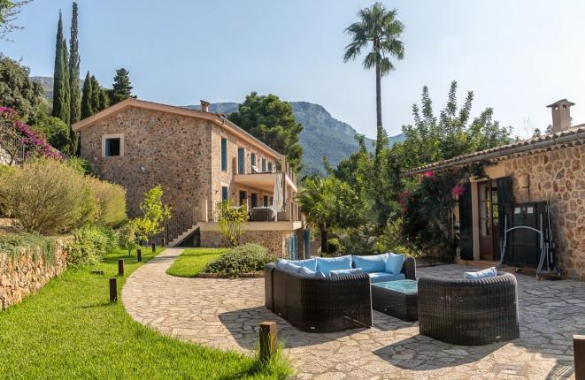 Exklusives Anwesen mit Gästehaus und privilegierter Aussicht in Deià