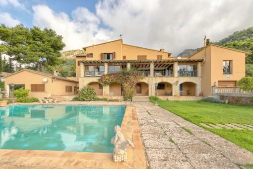 Große Villa mit Gästehaus in Valldemossa