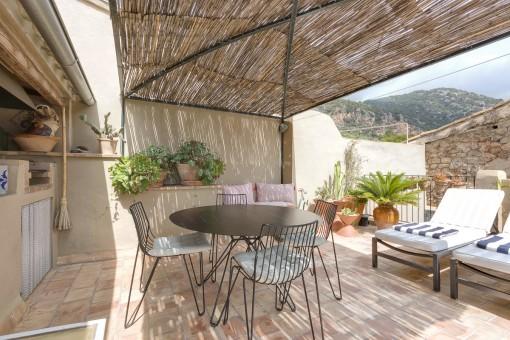 Tolles renoviertes Dorfhaus mit Terrasse und herrlicher Aussicht in Valldemossa