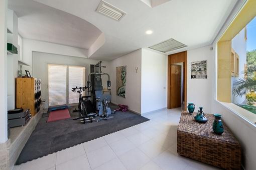 Heller Fitnessbereich
