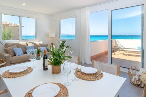 Wunderschönes Duplex in erster Meereslinie in Son Serra de Marina