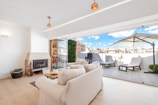 Wunderschönes komplett renoviertes Penthouse mit großer Terrasse im Herzen Palmas
