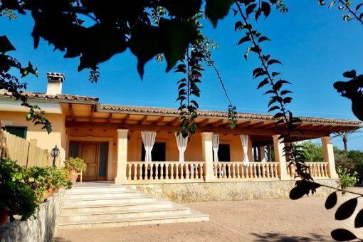 Möbliertes Einfamilienhaus mit Salzwasserpool und eingezäuntem Grundstück in Inca