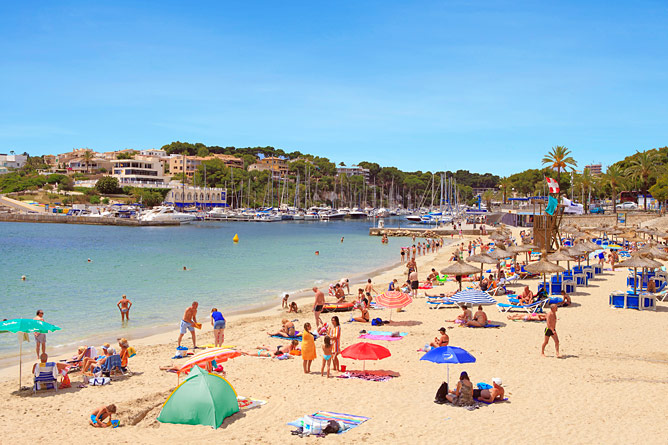 Beach and port in Porto Cristo